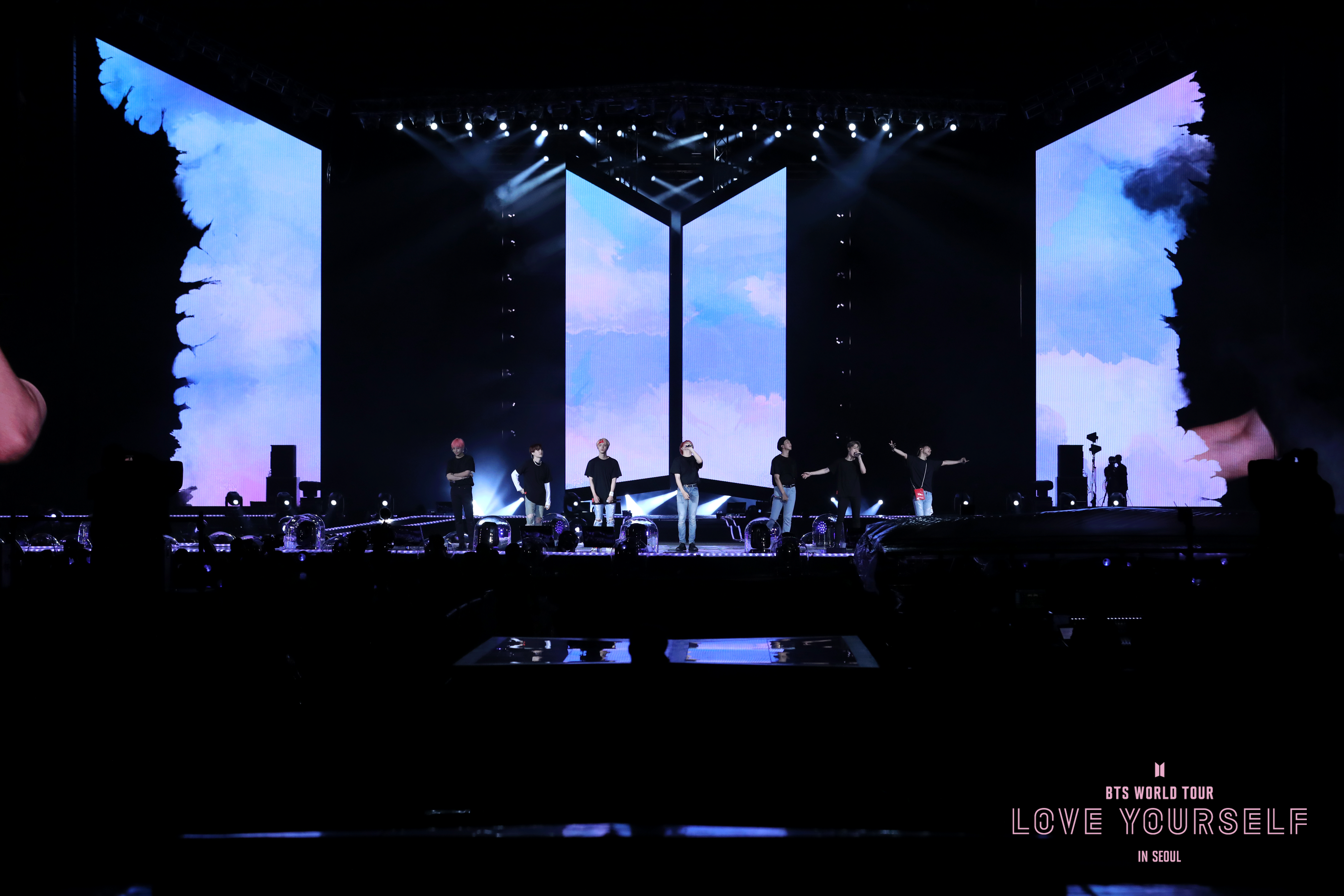 BTS LOVE YOURSELF IN SEOUL - photo 4